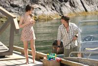 Emily Browning as Anna and Jesse Moss as Matt in