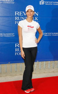 Jessica Alba at the Revlon Run/Walk for women in L.A.