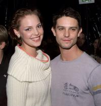 Katherine Heigl and Jason Behr at the UPN private party for Roswell cast members and 20 winners of a national radio contest.