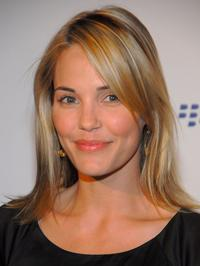 Leslie Bibb at the launch party of the new BlackBerry Curve.