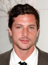 Simon Rex at the premiere of