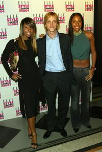 Mackenzie Crook with band Mysteeq at the Elle Style Awards 2004.