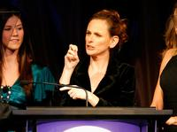 Marlee Matlin presents an award at the Billies presented by The Women's Sports Foundation.