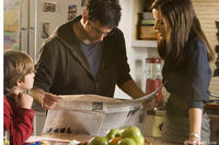David Schwimmer as Ray Armstrong and Kate Beckinsale as Rachel Armstrong in
