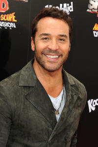 Jeremy Piven at the California premiere of