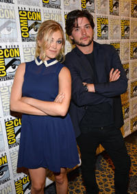 Eliza Taylor and Thomas McDonell at the press line of