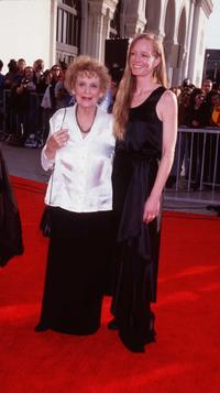 Gloria Stuart and Suzy Amis at the 4th Annual Screen Actors Guild Awards.