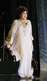 Elizabeth Taylor at the Macy's Passport 2006 Gala and Fashion show.
