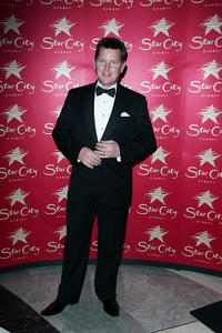 Tom Burlinson at the official crowning of Miss World Australia 2009.