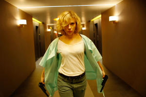 News Briefs: Scarlett Johannson Offered 'Ghost in the Shell'; Chris Rock's 'Top Five' Gets Funny First Trailer