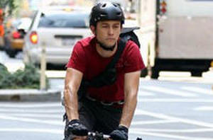 Joseph Gordon-Levitt Takes Us on a Bike Messenger Thrill-Ride in 'Premium Rush' Trailer
