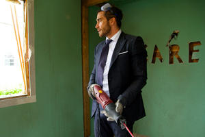News Briefs: First Look at Jake Gyllenhaal in 'Demolition'; All-Male 'Ghostbusters' Sequel Rumor Clarified