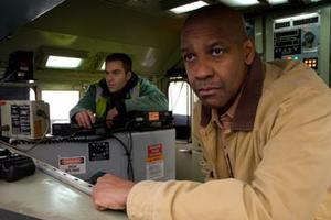 """Denzel Washington and Chris Pine in """"Unstoppable"""""""