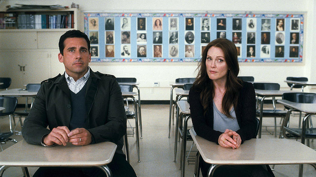 Steve Carell as Cal Weaver and Julianne Moore as Emily Weaver in