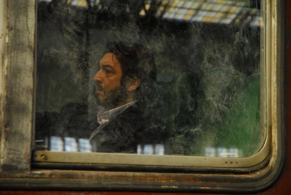Ricardo Darin as Benjamin Esposito in