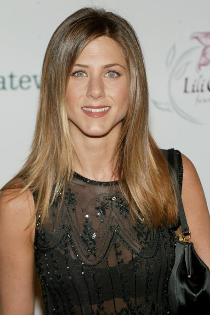 Jennifer Aniston at the Lili Claire Foundation's 5th Annual Benefit