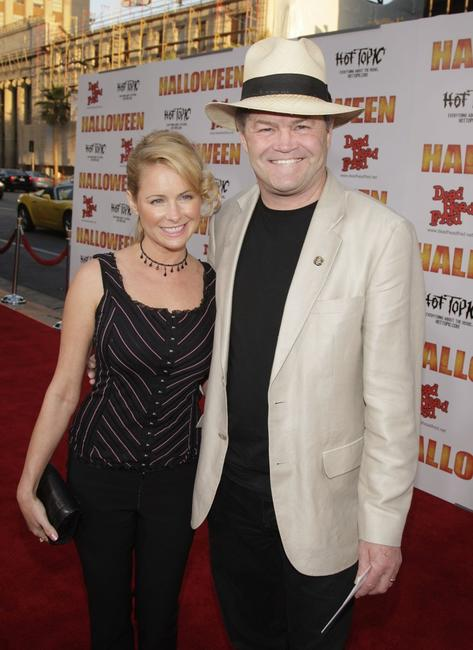 Ami Dolenz and Mickey Dolenz at the premiere of