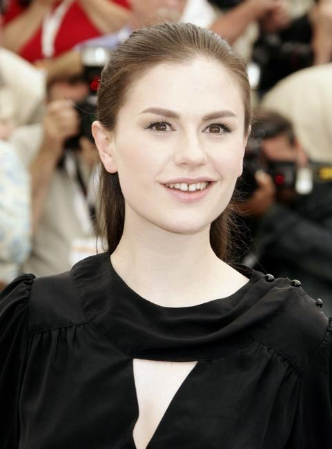 Anna Paquin at the Palais des Festivals for