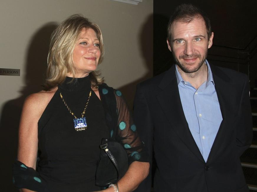 Ralph Fiennes and Tina Bursill at the 2006 Sydney Theatre Awards.