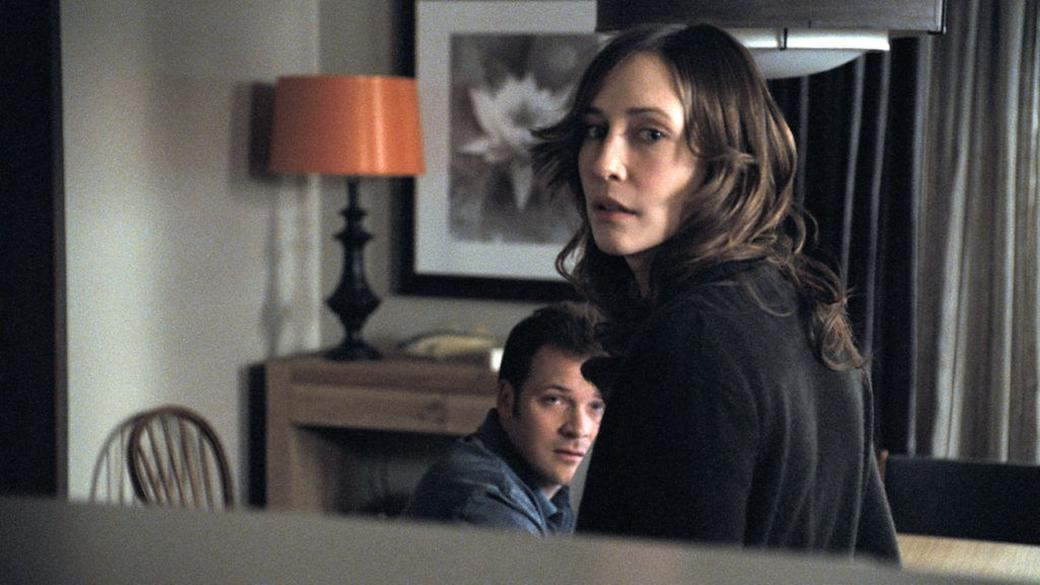 Peter Sarsgaard as John and Vera Farmiga as Kate in