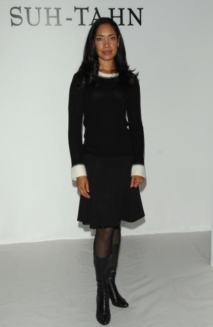 Gina Torres at the Suh-Tahn Spring 2009 fashion show during the Mercedes-Benz Fashion Week.