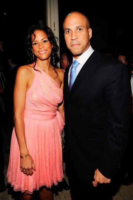 Veronica Webb and Cory Booker at the 2009 Emery Awards and 30th Anniversary of the Hetrick-Martin Institute.