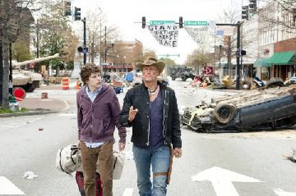 Jesse Eisenberg and Woody Harrelson in