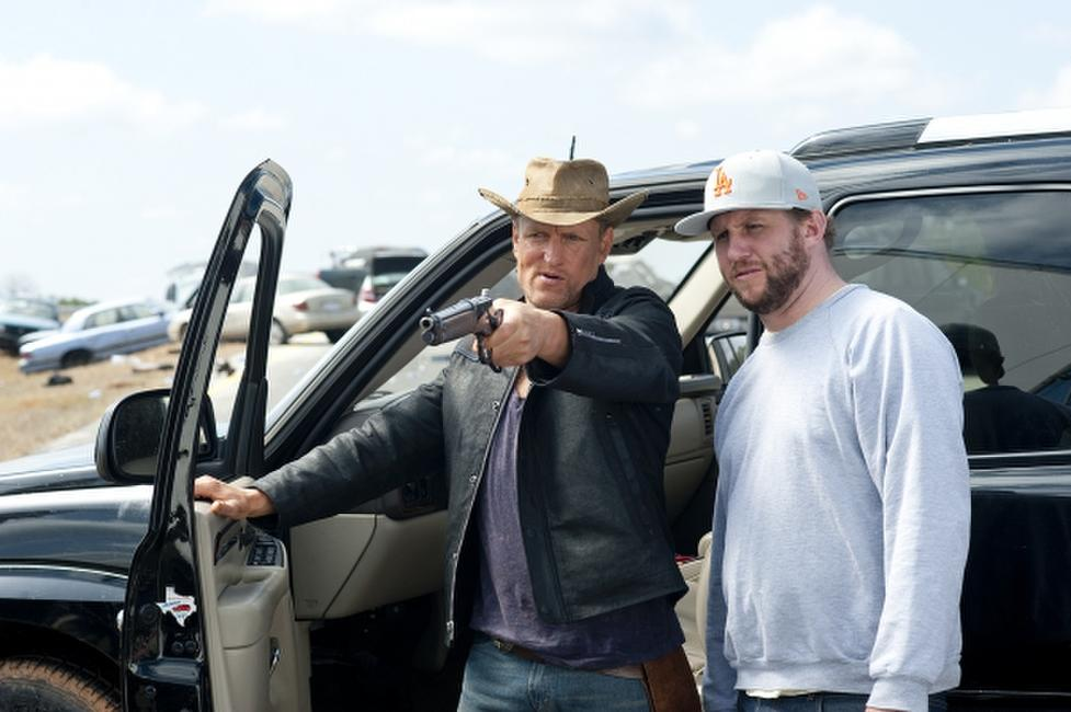 Woody Harrelson and Director Ruben Fleischer on the set of