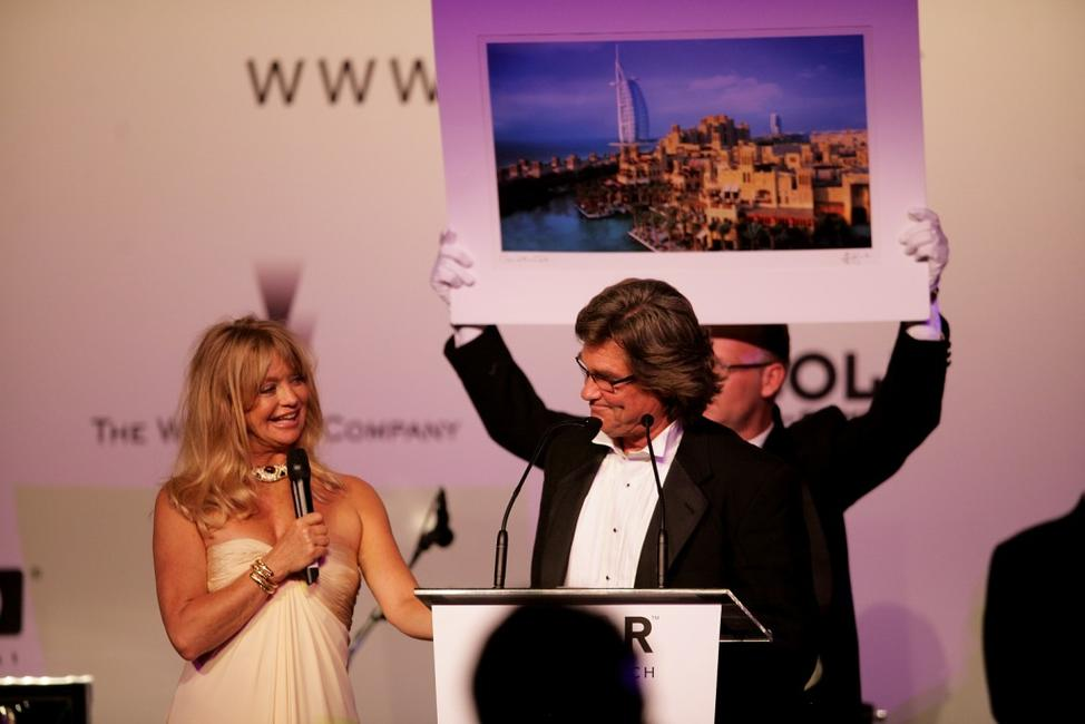 Goldie Hawn and Kurt Russell at the auction at the Cinema Against AIDS 2007 in aid of amfAR at Le Moulin de Mougins during the 60th International Cannes Film Festival.