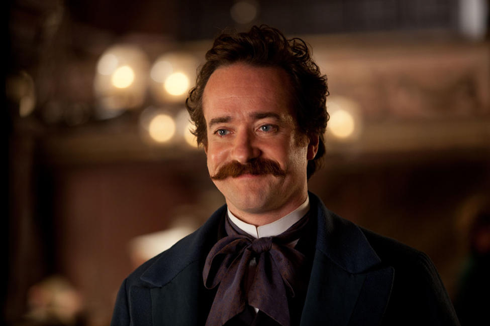 Matthew MacFadyen as Oblonsky in