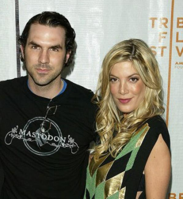 Paul Schneider and Tori Spelling at the premiere of