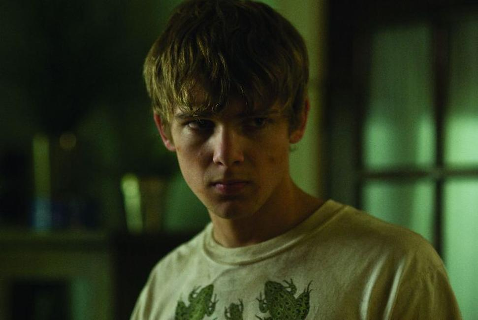 Max Thieriot as bug in