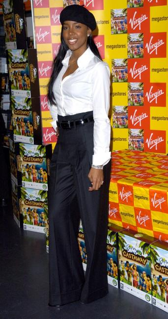 Kelly Rowland at the Virgin Megastore, Oxford Street.