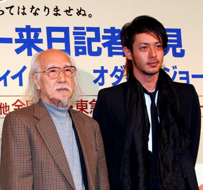 Seijun Suzuki and Jo Odagiri at the press conference of
