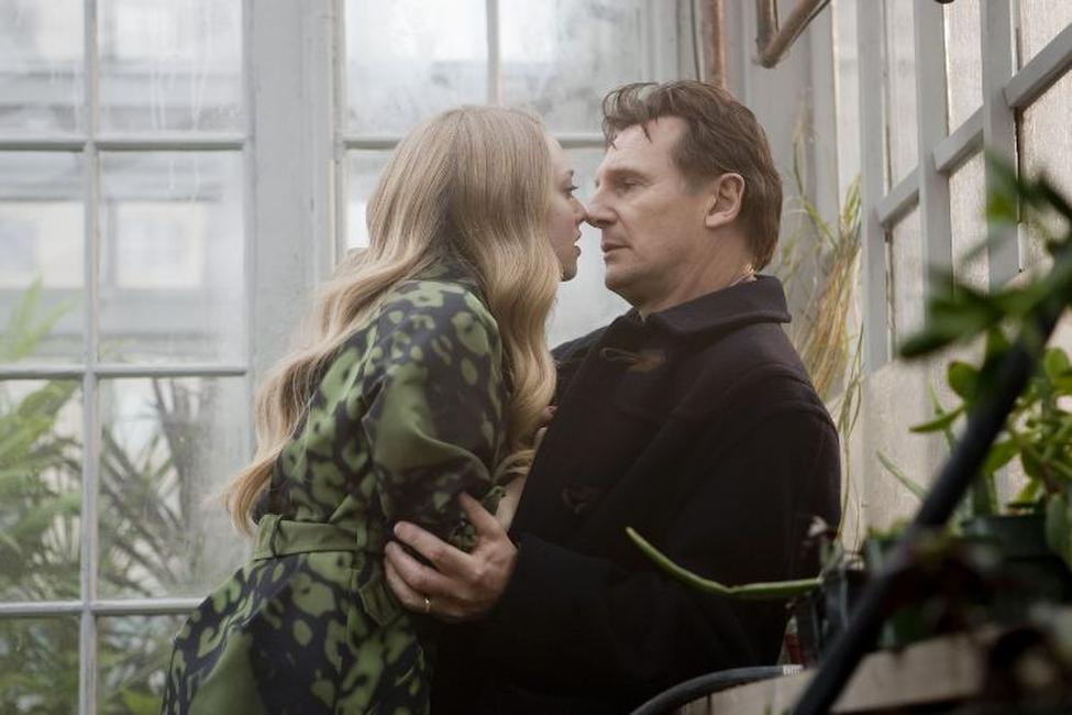 Amanda Seyfried as Chloe and Liam Neeson as David Stewart in