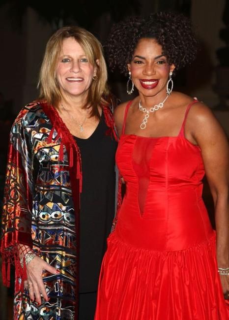 Michele Balan and Melba Moore at the 2009 Broadcasters Foundation of America Golden Mike benefit gala.