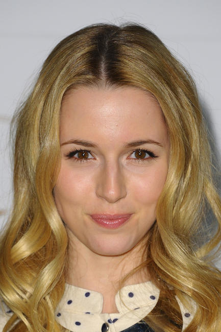Alona Tal at the 2013 Golden Globe Nominee Julianne Moore in California.