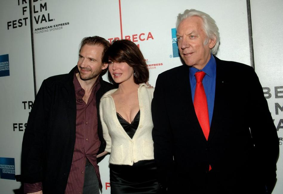 Donald Sutherland, Ralph Fiennes and Lara Flynn Boyle at the 5th Annual Tribeca Film Festival, attends the premiere of