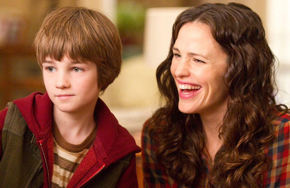 CJ Adams as Timothy and Jennifer Garner as Cindy Green in