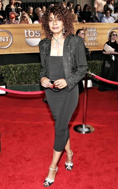 Beverly Todd at the 12th Annual Screen Actors Guild Awards.