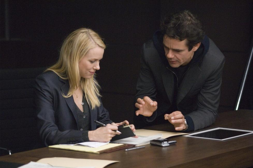 Naomi Watts as Eleanor Whitman and Director Tom Tykwer on the set of