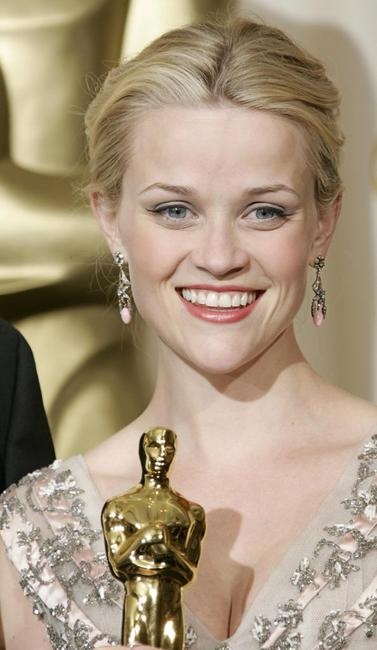Reese Witherspoon at the 78th Academy Awards.