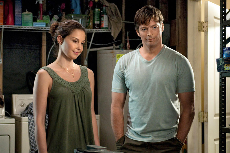 Ashley Judd as Lorraine Nelson and Harry Connick, Jr. as Dr. Clay Haskett in