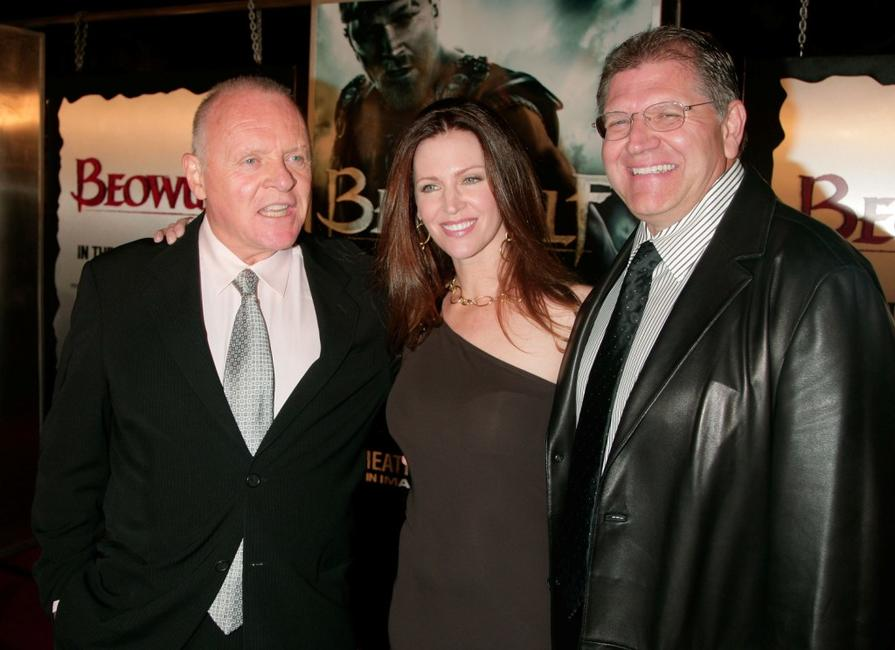 Anthony Hopkins, Robert Zemeckis and wife Leslie Harter Zemeckis at the Los Angeles premiere of