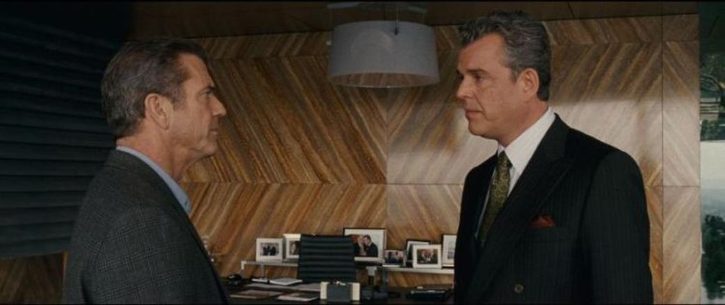 Mel Gibson as Thomas Craven and Danny Huston as Jack Bennett in