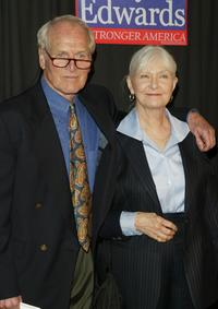 Paul Newman and Joanne Woodward at the John Kerry and John Edwards 2004 Victory Concert.