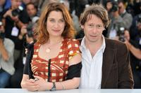 Emmanuelle Devos and Mathieu Amalric at the photocall of