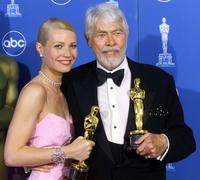James Coburn and Gwyneth Paltrow at the 71st Acadamy Awards.
