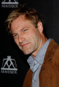 Aaron Eckhart at the Playstation 2 Party East Meets West In The Ultimate Battle Of The Gridiron.