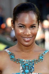 Robinne Lee at the premiere of